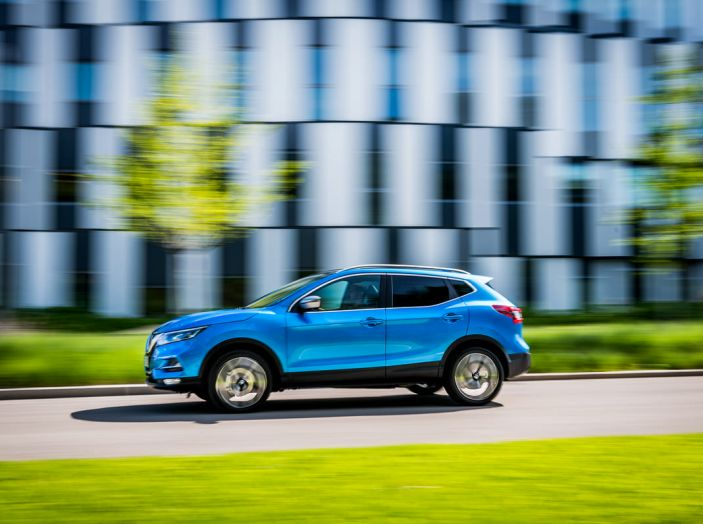 Nissan Qashqai in promozione da 19.250 Euro con formula Intelligent Bonus - Foto 9 di 46