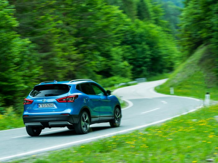 Nissan Qashqai in promozione da 19.250 Euro con formula Intelligent Bonus - Foto 19 di 46