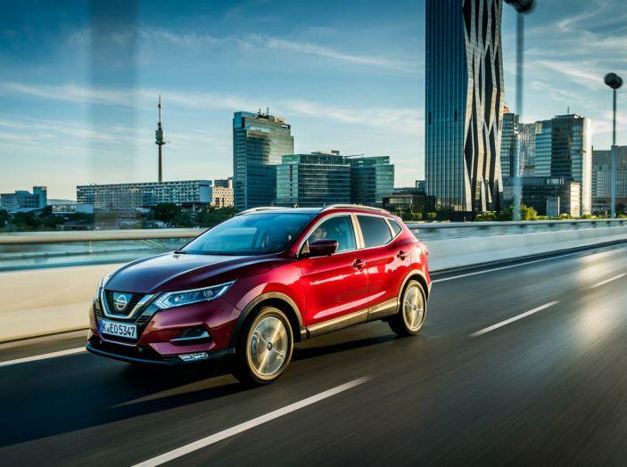 Nissan Qashqai in promozione da 19.250 Euro con formula Intelligent Bonus - Foto 39 di 46