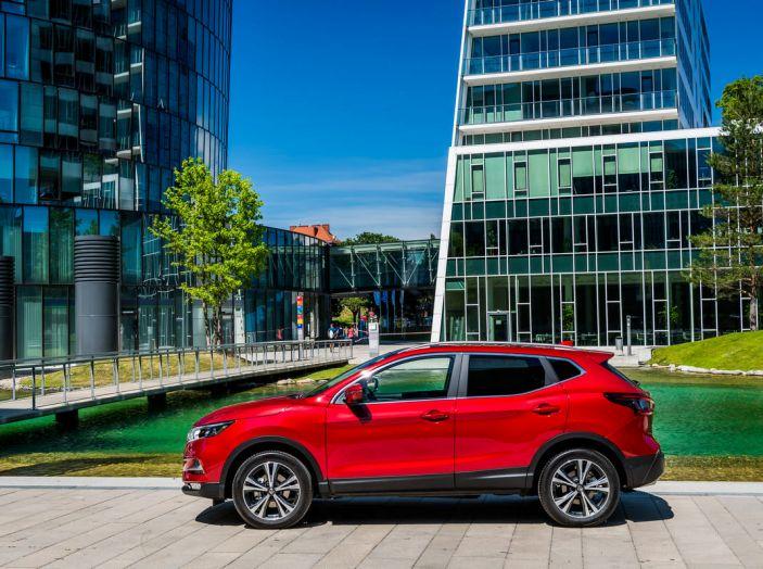 Nissan Qashqai in promozione da 19.250 Euro con formula Intelligent Bonus - Foto 46 di 46