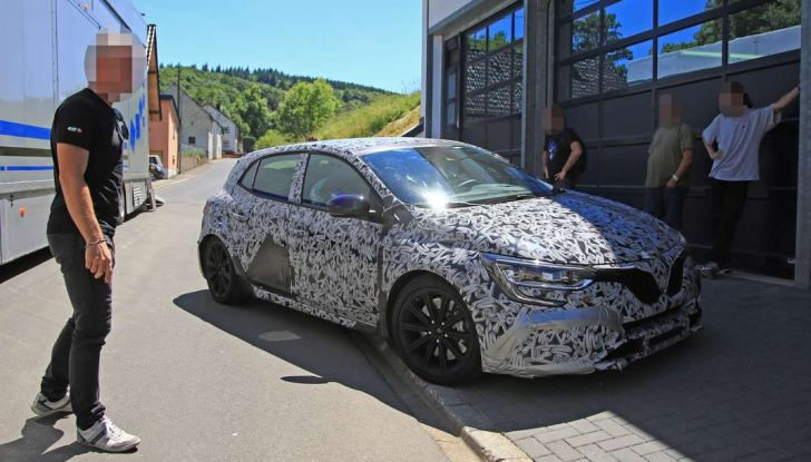 Renault Megane RS Trophy-R, nuovo record al Nordschleife - Foto 9 di 24