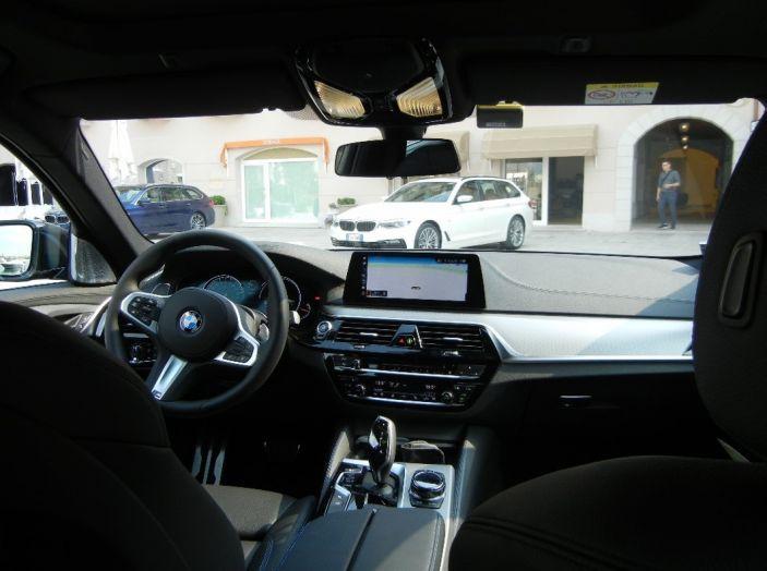 Nuova BMW Serie 5 Touring: Business Class su quattro ruote - Foto 31 di 31