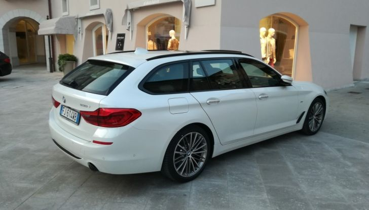 Nuova BMW Serie 5 Touring: Business Class su quattro ruote - Foto 27 di 31