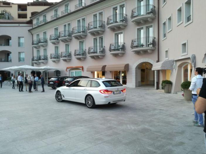 Nuova BMW Serie 5 Touring: Business Class su quattro ruote - Foto 28 di 31