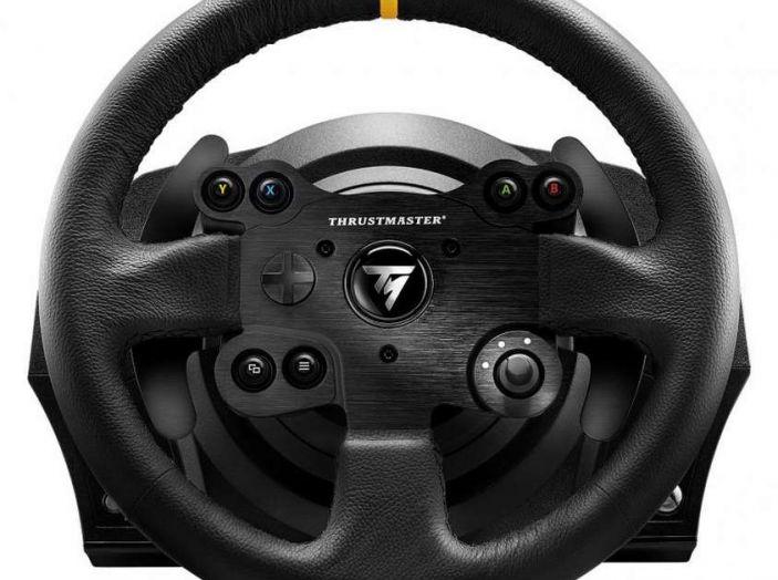 Thrustmaster TX Leather Edition, recensione del migliore volante per Xbox One - Foto 2 di 5