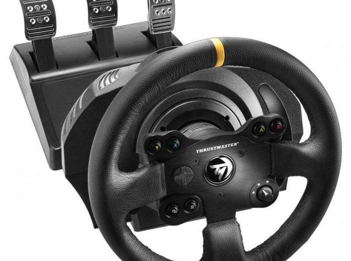 Thrustmaster TX Leather Edition, recensione del migliore volante per Xbox One - Foto 3 di 5