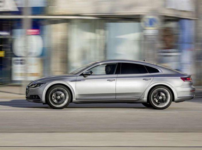 Volkswagen Arteon, informazioni e prezzi per l'Italia - Foto 9 di 14