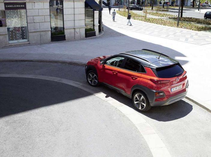 Hyundai Kona, dettagli e caratteristiche del nuovo SUV - Foto 5 di 21