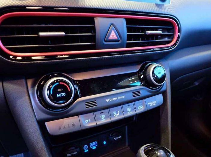 Hyundai Kona, dettagli e caratteristiche del nuovo SUV - Foto 9 di 21