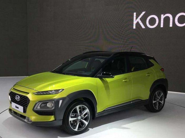 Hyundai Kona, dettagli e caratteristiche del nuovo SUV - Foto 15 di 21