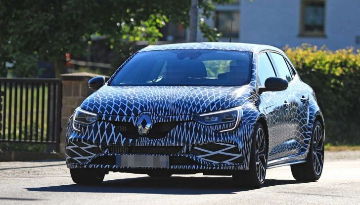 Renault Megane RS Trophy-R, nuovo record al Nordschleife - Foto 19 di 24