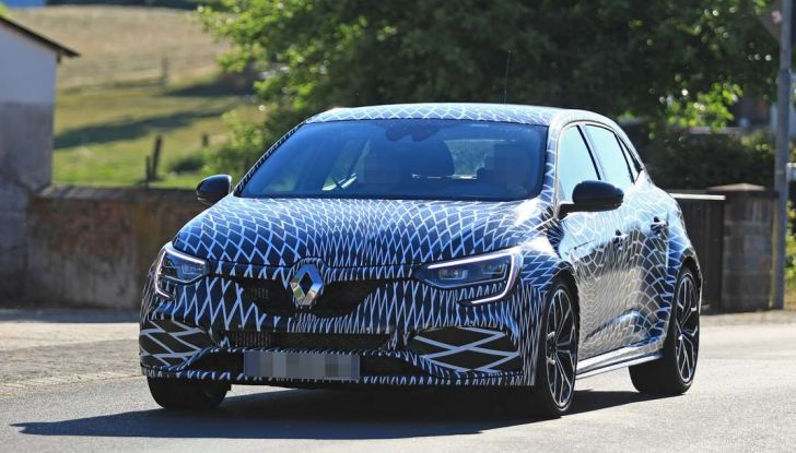 Renault Megane RS Trophy-R, nuovo record al Nordschleife - Foto 6 di 24