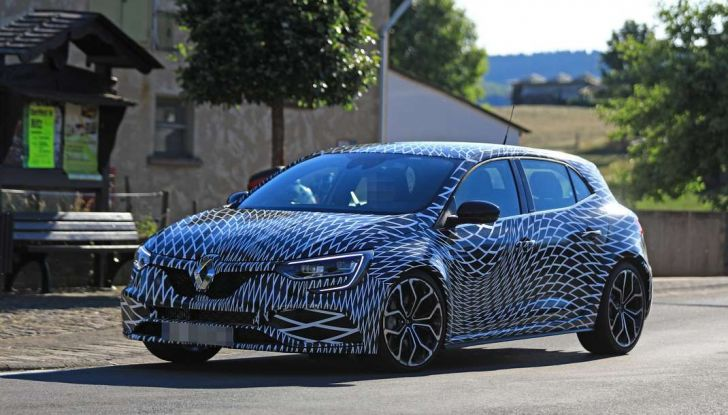 Renault Megane RS Trophy-R, nuovo record al Nordschleife - Foto 4 di 24