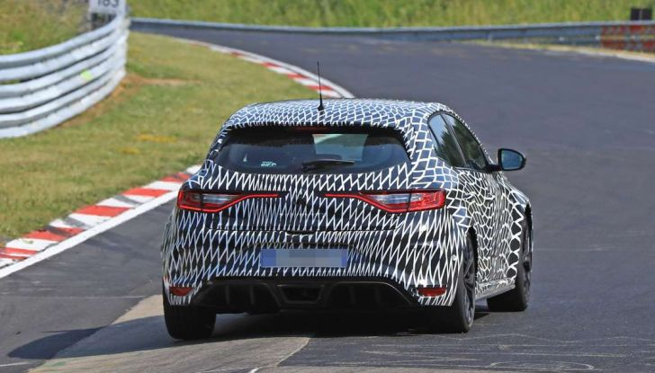 Renault Megane RS Trophy-R, nuovo record al Nordschleife - Foto 23 di 24