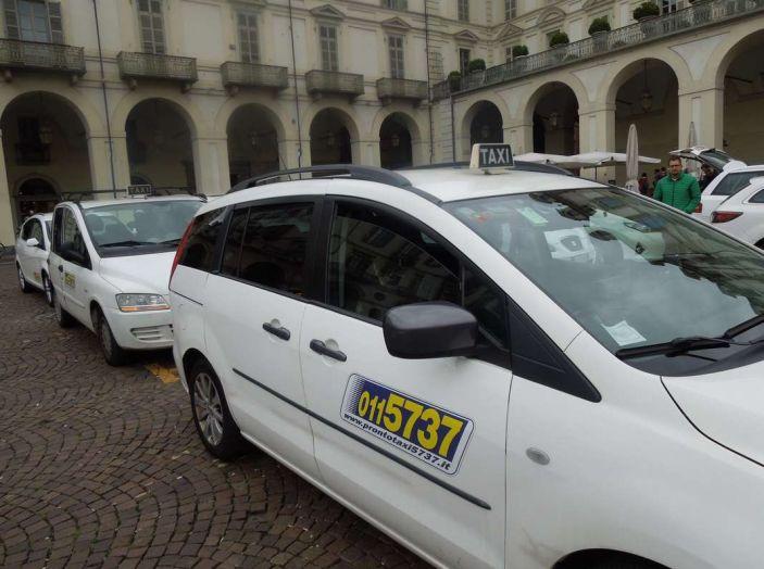 Wetaxi, a Torino arriva il taxi condiviso - Foto 2 di 6