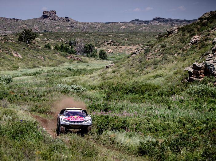 Peterhansel il più veloce nella sesta tappa del Silk Way Rally - Foto 2 di 4