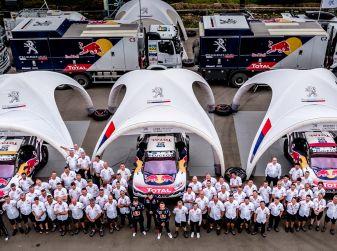 Il Team Peugeot Total, questo era l'inizio dell'avventura del Silk Way Rally – VIDEO