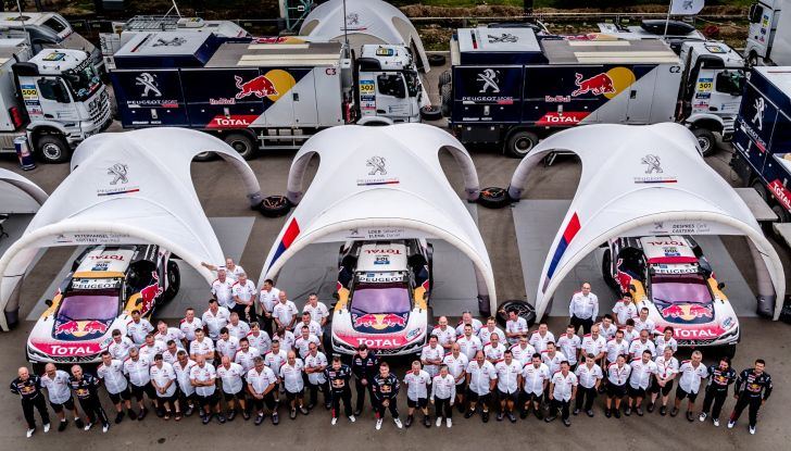 Il Team Peugeot Total, questo era l'inizio dell'avventura del Silk Way Rally – VIDEO - Foto  di