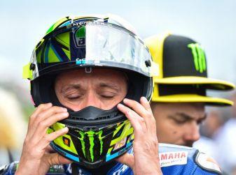 Valentino Rossi, frattura tibia e perone in allenamento: stagione finita