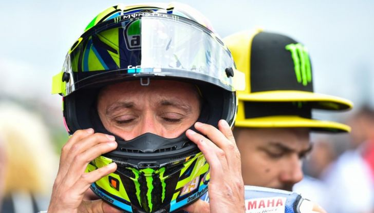 Valentino Rossi, frattura tibia e perone in allenamento: stagione finita - Foto 5 di 14