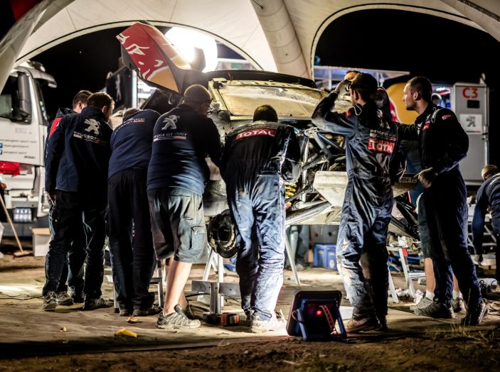 Peugeot 3008DKR ancora in testa al Silk Way Rally - Foto 3 di 5
