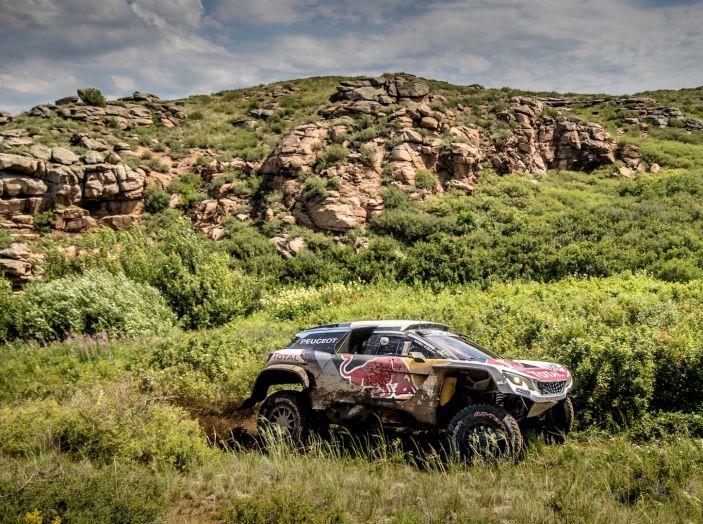 Peterhansel il più veloce nella sesta tappa del Silk Way Rally - Foto 1 di 4