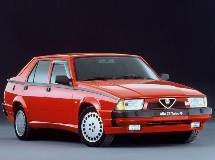 Le 10 auto più amate dagli italiani tra i miti del passato - Foto 7 di 10