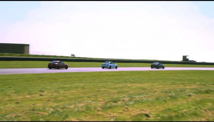 Alfa Romeo Giulia: un guasto nella sfida contro BMW M3 e Mercedes C63 AMG - Foto 29 di 29