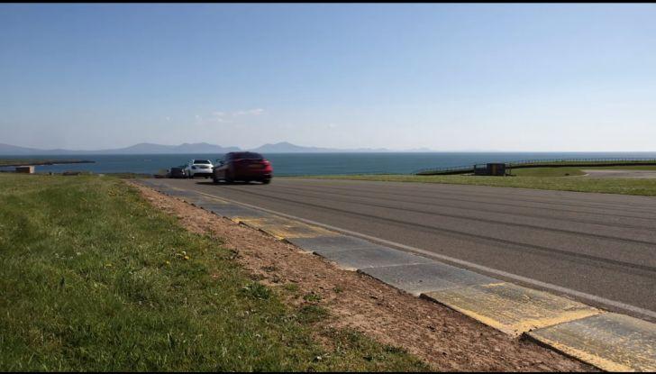 Alfa Romeo Giulia: un guasto nella sfida contro BMW M3 e Mercedes C63 AMG - Foto 18 di 29