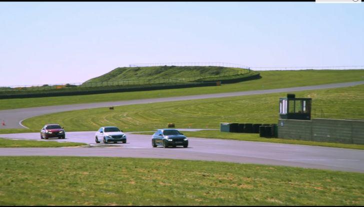 Alfa Romeo Giulia: un guasto nella sfida contro BMW M3 e Mercedes C63 AMG - Foto 20 di 29