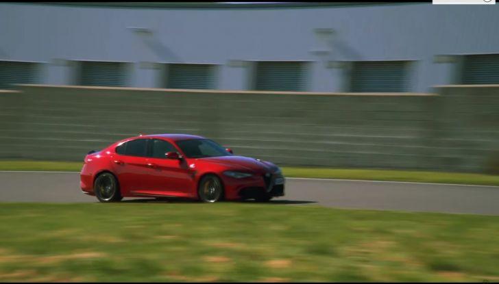Alfa Romeo Giulia: un guasto nella sfida contro BMW M3 e Mercedes C63 AMG - Foto 22 di 29