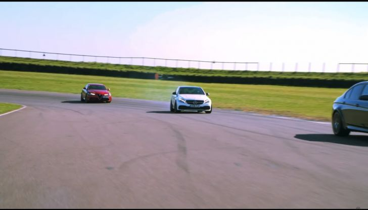 Alfa Romeo Giulia: un guasto nella sfida contro BMW M3 e Mercedes C63 AMG - Foto 23 di 29