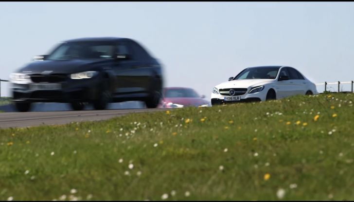 Alfa Romeo Giulia: un guasto nella sfida contro BMW M3 e Mercedes C63 AMG - Foto 26 di 29