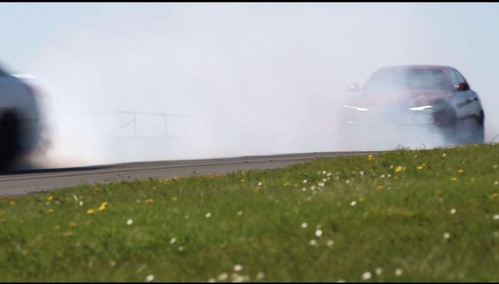 Alfa Romeo Giulia: un guasto nella sfida contro BMW M3 e Mercedes C63 AMG - Foto 27 di 29