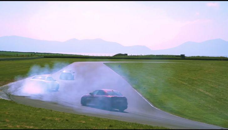 Alfa Romeo Giulia: un guasto nella sfida contro BMW M3 e Mercedes C63 AMG - Foto 9 di 29