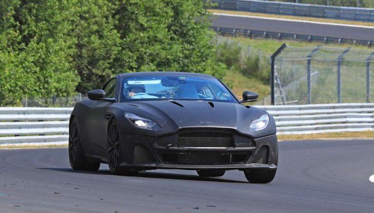 Aston Martin DB11 S, proseguono i test in pista - Foto 10 di 14