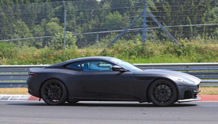 Aston Martin DB11 S, proseguono i test in pista - Foto 12 di 14
