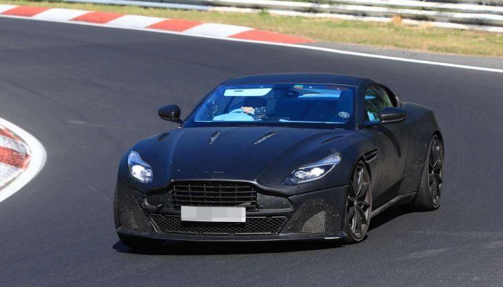 Aston Martin DB11 S, proseguono i test in pista - Foto 4 di 14