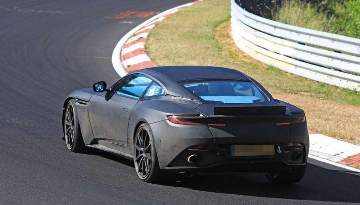 Aston Martin DB11 S, proseguono i test in pista - Foto 6 di 14