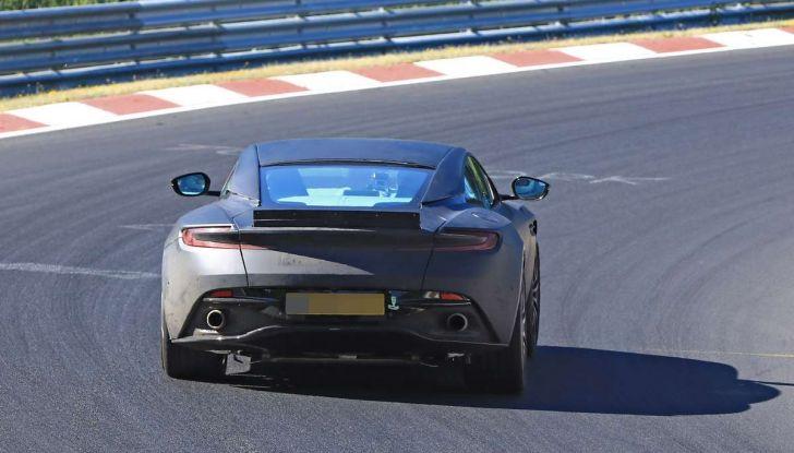 Aston Martin DB11 S, proseguono i test in pista - Foto 7 di 14