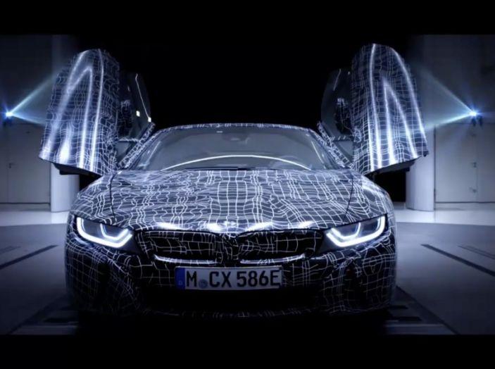 BMW i8 Roadster, l'ibrida dell'Elica verso l'evoluzione - Foto 12 di 12
