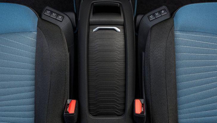Citroën C4 Picasso supera la barriera di pedaggio autostradale in completa autonomia - Foto 8 di 13