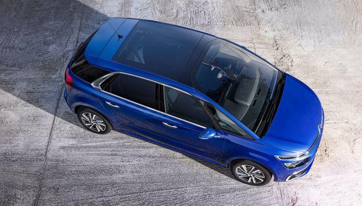 Citroën C4 Picasso supera la barriera di pedaggio autostradale in completa autonomia - Foto 11 di 13