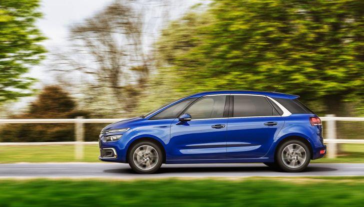 Citroën C4 Picasso supera la barriera di pedaggio autostradale in completa autonomia - Foto 12 di 13