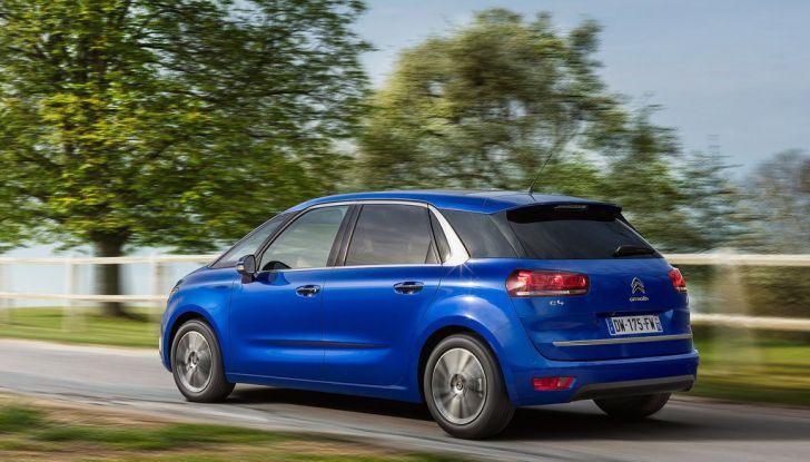 Citroën C4 Picasso supera la barriera di pedaggio autostradale in completa autonomia - Foto 13 di 13