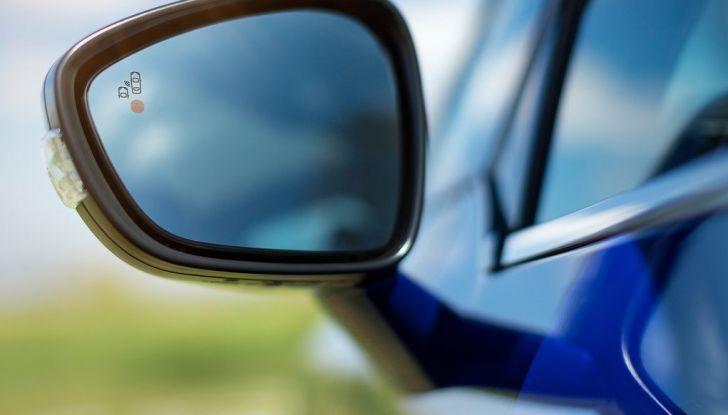 Citroën C4 Picasso supera la barriera di pedaggio autostradale in completa autonomia - Foto 3 di 13