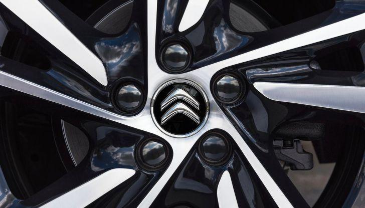 Citroën C4 Picasso supera la barriera di pedaggio autostradale in completa autonomia - Foto 6 di 13