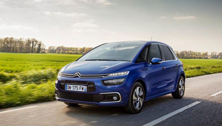 Citroën C4 Picasso supera la barriera di pedaggio autostradale in completa autonomia - Foto 1 di 13