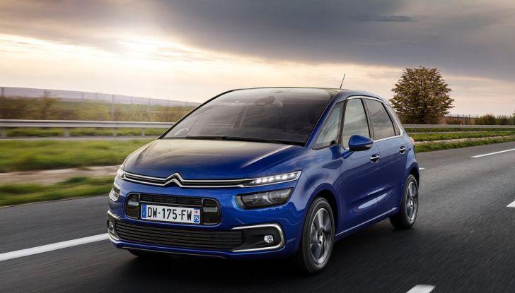 Citroën C4 Picasso supera la barriera di pedaggio autostradale in completa autonomia - Foto 10 di 13
