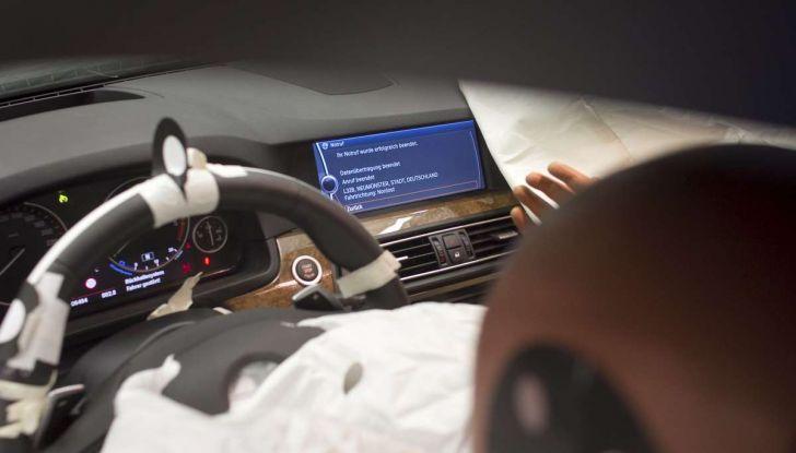 Sicurezza in auto: tutte le sigle, dall'ABS al TCS - Foto 9 di 10
